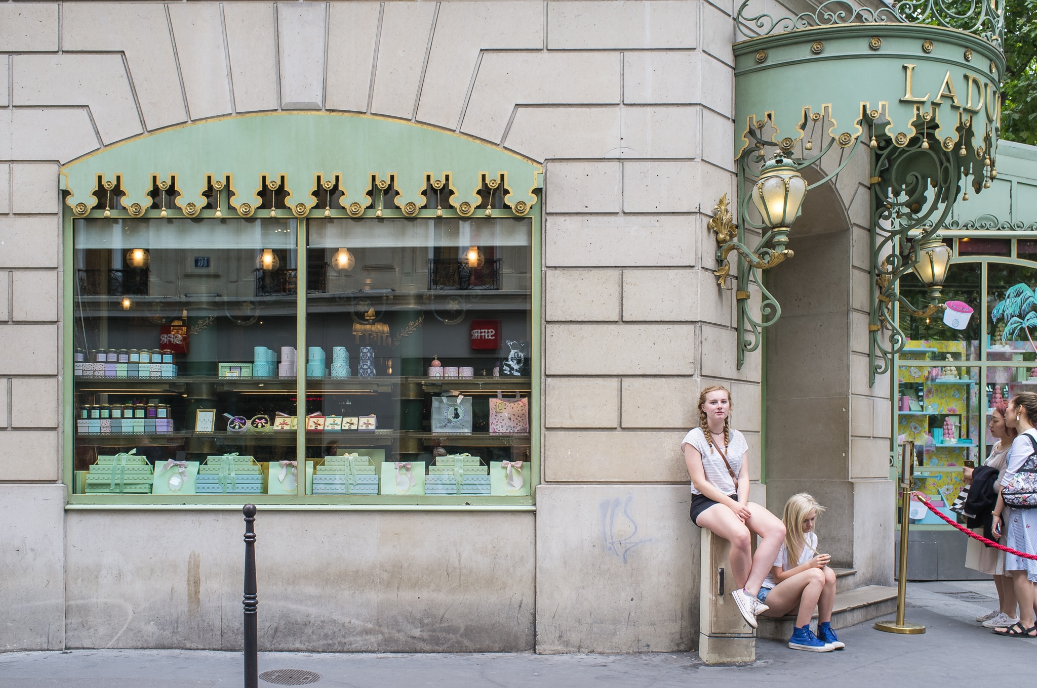 La Durée, Champs Elysees