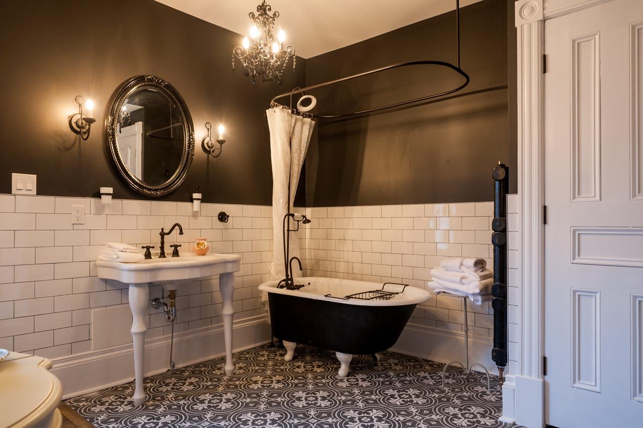 Slaymaker & Nichols bathroom
