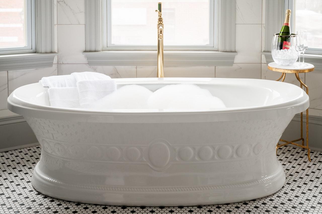 Slaymaker & Nichols master suite bath tub